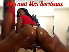 Mrs and Mrs Bordeaux: Come slap My ginormous Chocolate bum drinched in BABY OIL